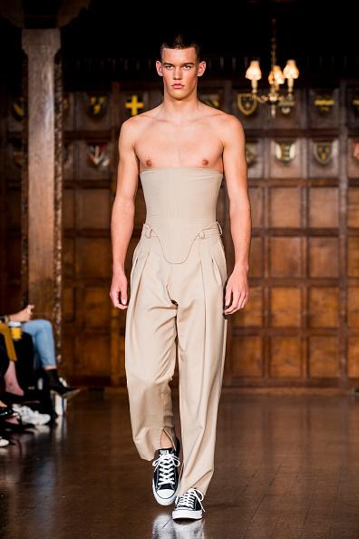 London Fashion Week「Edward Crutchley - Runway - LFWM June 2017」:写真・画像(9)[壁紙.com]