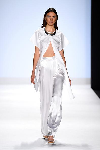 Satin Pants「Project Runway - Runway - Mercedes-Benz Fashion Week Spring 2015」:写真・画像(4)[壁紙.com]