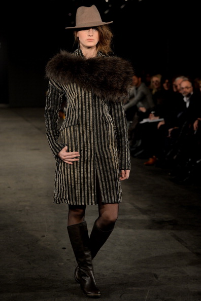Fur Trim「Annette Goertz Fashion Show」:写真・画像(6)[壁紙.com]