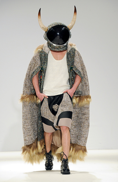 London Fashion Week「Gyo Yuni Kimchoe - Runway - LFW FW15」:写真・画像(1)[壁紙.com]