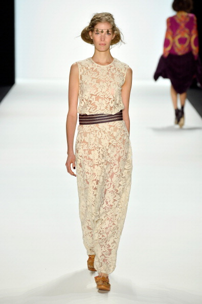 Brown Shoe「Holy Ghost Show - Mercedes-Benz Fashion Week Autumn/Winter 2014/15」:写真・画像(19)[壁紙.com]