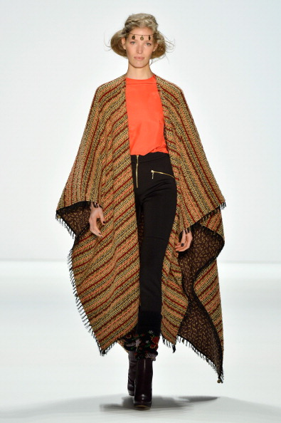 Brown Boot「Holy Ghost Show - Mercedes-Benz Fashion Week Autumn/Winter 2014/15」:写真・画像(4)[壁紙.com]