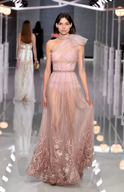 Ralph & Russo Spring/Summer 2018 Ready To Wear Show:ニュース(壁紙.com)