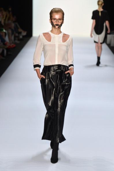 Round Neckline「Rebekka Ruetz Show - Mercedes-Benz Fashion Week Spring/Summer 2014」:写真・画像(12)[壁紙.com]