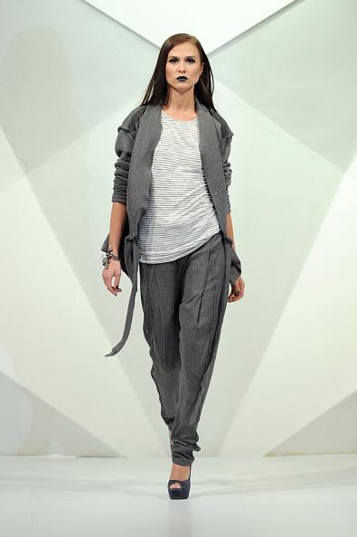 Fashion Forward Dubai「Tahir Sultan - Runway - Fashion Forward Dubai April 2014」:写真・画像(6)[壁紙.com]