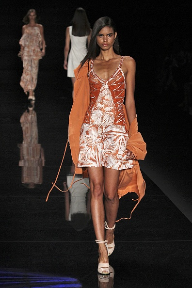 Orange Coat「Animale - Sao Paulo Fashion Week Summer 2014/2015」:写真・画像(2)[壁紙.com]