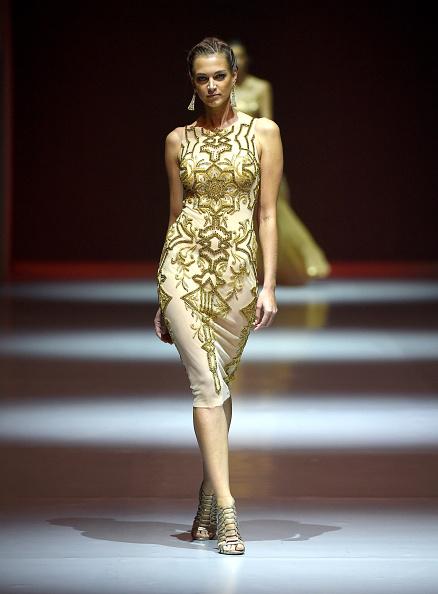 Ian Gavan「Dany Tabet - Runway - Fashion Forward Dubai October 2014」:写真・画像(4)[壁紙.com]
