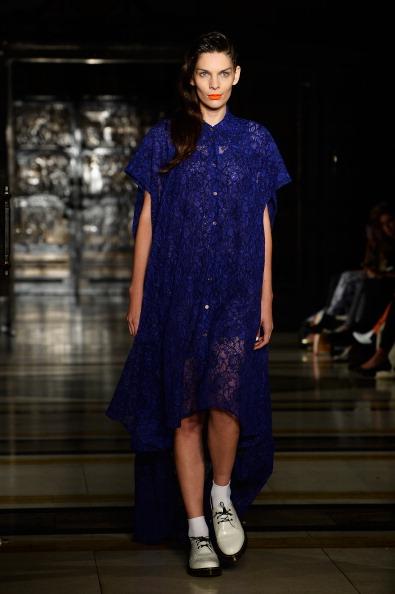 Selective Focus「Tabernacle Twins - Runway: London Fashion Week SS14」:写真・画像(17)[壁紙.com]