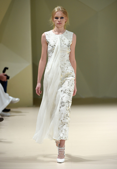 Sleeveless「Taller Marmo - Runway - Fashion Forward Dubai October 2014」:写真・画像(19)[壁紙.com]