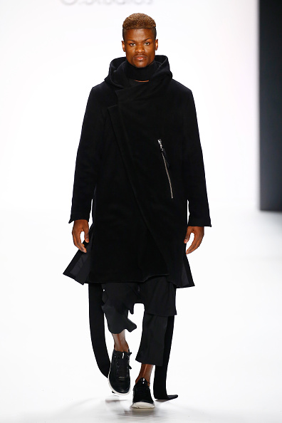 Black Coat「Odeur Show - Mercedes-Benz Fashion Week Berlin Autumn/Winter 2016」:写真・画像(2)[壁紙.com]