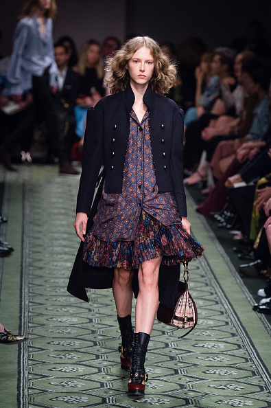 London Fashion Week「Burberry - Runway - LFW September 2016」:写真・画像(16)[壁紙.com]