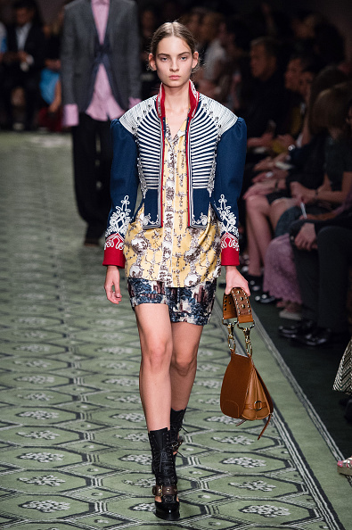 London Fashion Week「Burberry - Runway - LFW September 2016」:写真・画像(12)[壁紙.com]