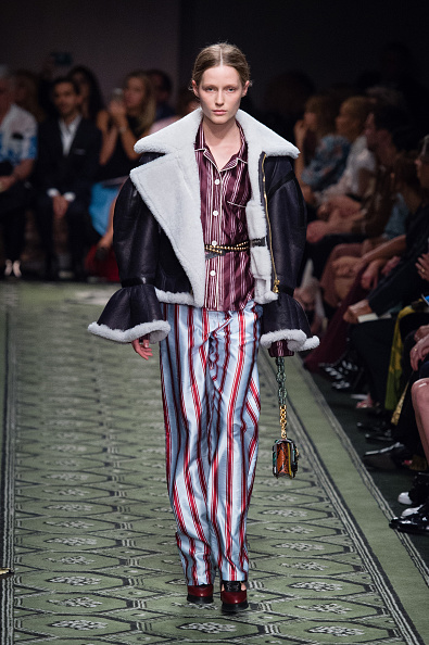 London Fashion Week「Burberry - Runway - LFW September 2016」:写真・画像(13)[壁紙.com]