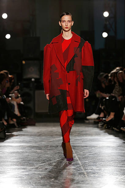 Jonathan Saunders: Runway - London Fashion Week AW14:ニュース(壁紙.com)