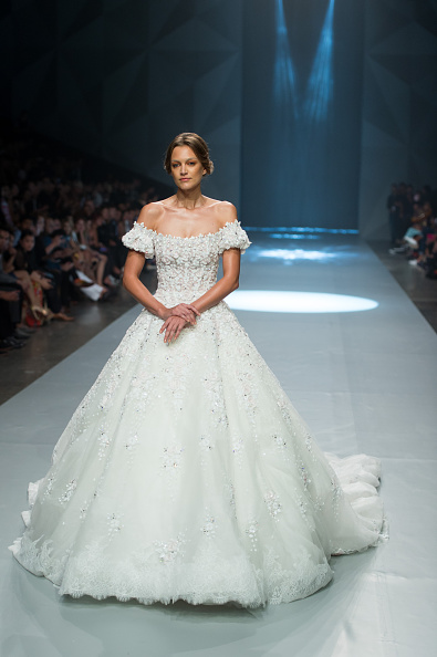 Dubai Fashion Week「Michael Cinco - Runway - Fashion Forward Dubai October 2014」:写真・画像(10)[壁紙.com]