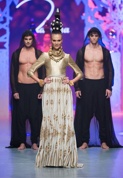 Madinat Jumeirah Hotel「Zareena - Runway - Fashion Forward Dubai October 2014」:写真・画像(9)[壁紙.com]