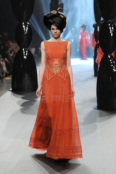 Fashion Forward Dubai「Zareena - Runway - Fashion Forward Dubai April 2014」:写真・画像(8)[壁紙.com]