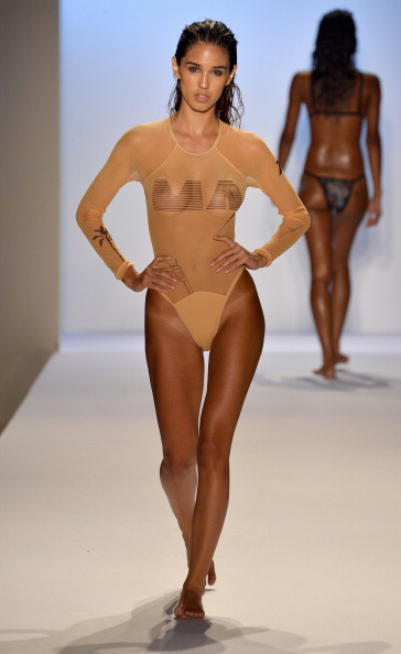 Focus On Foreground「Minimale Animale - Mercedes-Benz Fashion Week Swim 2014 - Runway」:写真・画像(10)[壁紙.com]