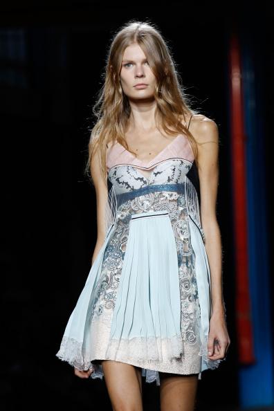 Baby Doll Dress「Mary Katrantzou: Runway - London Fashion Week SS15」:写真・画像(12)[壁紙.com]
