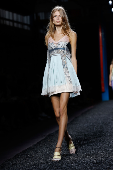 Baby Doll Dress「Mary Katrantzou: Runway - London Fashion Week SS15」:写真・画像(10)[壁紙.com]