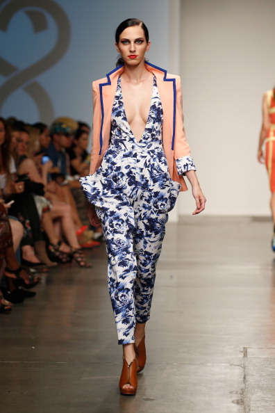 Focus On Foreground「Nolcha Fashion Week New York Presented by RUSK During New York Fashion Week Spring/Summer 2014 Runway - Studio 6th Sense」:写真・画像(0)[壁紙.com]