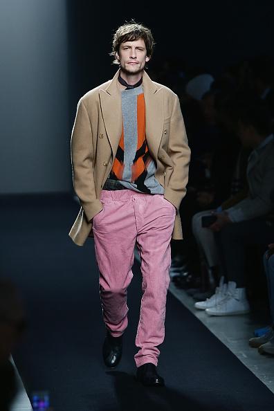 Hands In Pockets「BOTTEGA VENETA SHOW - Runway - Milan Menswear Fashion Week Fall Winter 2015/2016」:写真・画像(5)[壁紙.com]