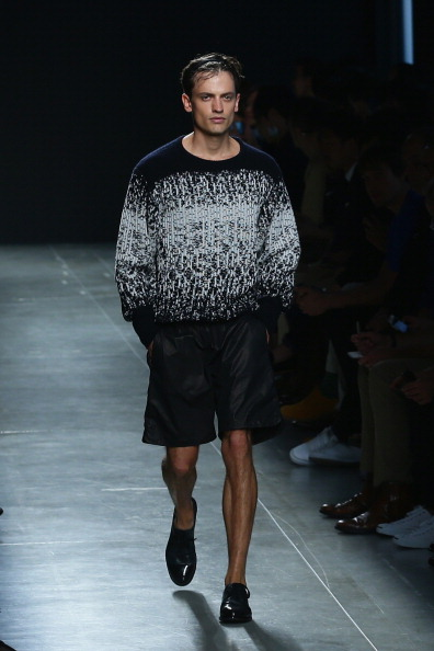 Bermuda Shorts「Bottega Veneta - Runway - Milan Fashion Week Menswear Spring/Summer 2015」:写真・画像(4)[壁紙.com]