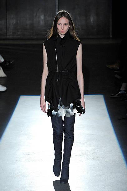 Lutz Huelle : Runway - Paris Fashion Week Womenswear Spring/Summer 2016:ニュース(壁紙.com)