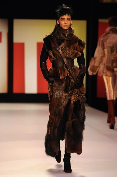 Wide Belt「Jean Paul Gaultier - Runway - PFW F/W 2013」:写真・画像(17)[壁紙.com]