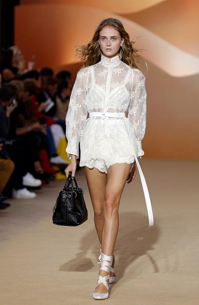 Spring Collection「Shiatzy Chen : Runway - Paris Fashion Week Womenswear Spring/Summer 2018」:写真・画像(4)[壁紙.com]