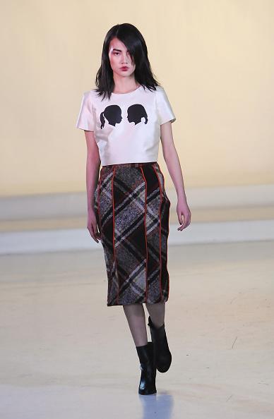 Graphic Print「Julianna Bass - Runway - Mercedes-Benz Fashion Week Fall 2015」:写真・画像(19)[壁紙.com]