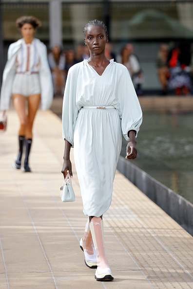 Black Color「Longchamp SS20 Runway Show」:写真・画像(10)[壁紙.com]