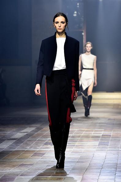 Blue Coat「Lanvin : Runway - Paris Fashion Week Womenswear Fall/Winter 2015/2016」:写真・画像(15)[壁紙.com]