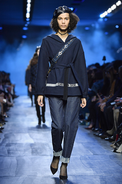 Jeans「Christian Dior : Runway - Paris Fashion Week Womenswear Fall/Winter 2017/2018」:写真・画像(14)[壁紙.com]