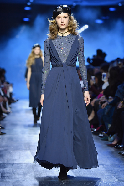 Beret「Christian Dior : Runway - Paris Fashion Week Womenswear Fall/Winter 2017/2018」:写真・画像(6)[壁紙.com]