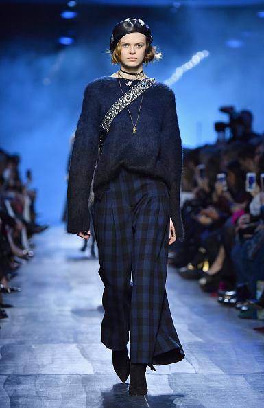 秋冬コレクション「Christian Dior : Runway - Paris Fashion Week Womenswear Fall/Winter 2017/2018」:写真・画像(6)[壁紙.com]