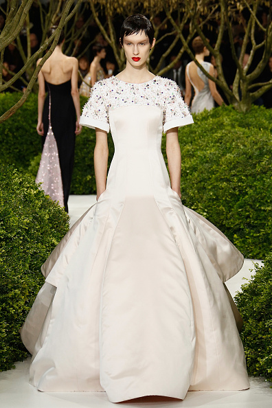 Form Fitted Dress「Christian Dior: Runway - Paris Fashion Week Haute-Couture Spring/Summer 2013」:写真・画像(17)[壁紙.com]