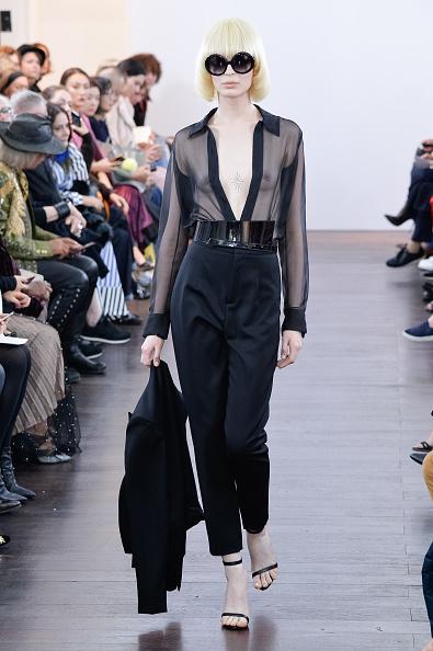 Black Color「Guy Laroche : Runway - Paris Fashion Week Womenswear Spring/Summer 2018」:写真・画像(19)[壁紙.com]