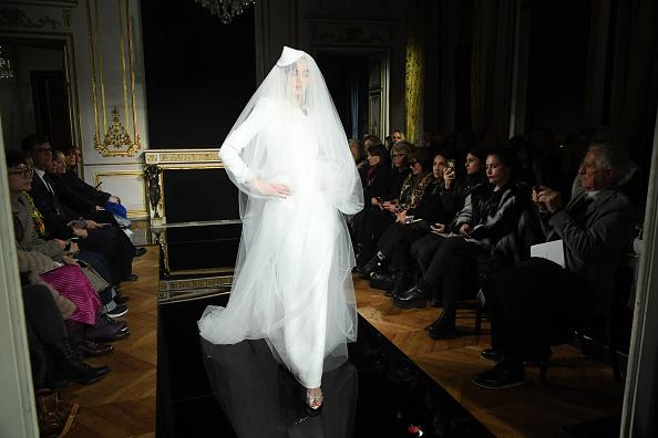 ブランド ジョルジオアルマーニ「Giorgio Armani Prive : Runway - Paris Fashion Week - Haute Couture Spring Summer 2019」:写真・画像(18)[壁紙.com]