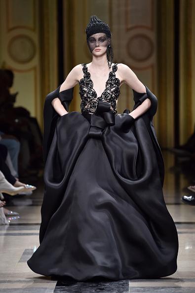 ブランド ジョルジオアルマーニ「Giorgio Armani Prive : Runway - Paris Fashion Week - Haute Couture Fall/Winter 2017-2018」:写真・画像(15)[壁紙.com]