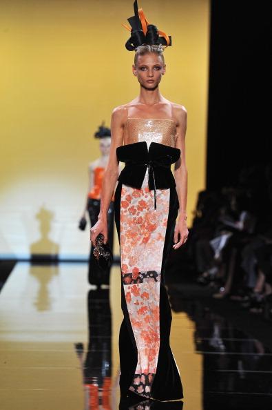 Giorgio Armani Prive「Giorgio Armani Prive: Runway - Paris Fashion Week Haute Couture F/W 2011/2012」:写真・画像(2)[壁紙.com]