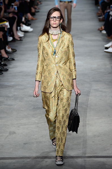 Ruffled「GUCCI - Runway - Milan Collections Men SS16」:写真・画像(6)[壁紙.com]