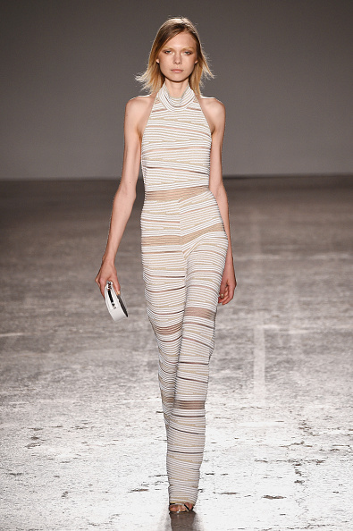 Change Purse「Genny - Runway - Milan Fashion Week  SS16」:写真・画像(18)[壁紙.com]