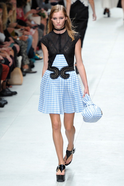 Flared Dress「Carven : Runway - Paris Fashion Week Womenswear  Spring/Summer 2014」:写真・画像(5)[壁紙.com]