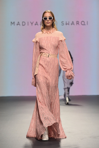 Foliate Pattern「Madiyah Al Sharqi - Runway - FFWD October 2017」:写真・画像(7)[壁紙.com]