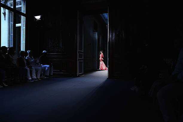 Lan YU - Alternative Views -Paris Fashion Week : Haute Couture Fall/Winter 2016/2017:ニュース(壁紙.com)
