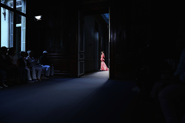 Alternative View「Lan YU - Alternative Views -Paris Fashion Week : Haute Couture Fall/Winter 2016/2017」:写真・画像(18)[壁紙.com]