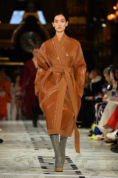 Leather Jacket「Stella McCartney : Runway - Paris Fashion Week Womenswear Fall/Winter 2019/2020」:写真・画像(7)[壁紙.com]