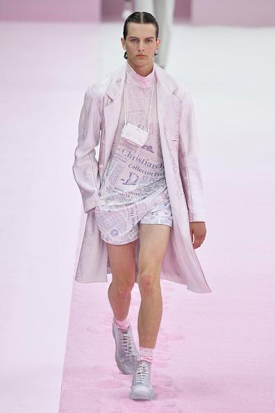 Silver Shoe「Dior Homme : Runway - Paris Fashion Week - Menswear Spring/Summer 2020」:写真・画像(18)[壁紙.com]