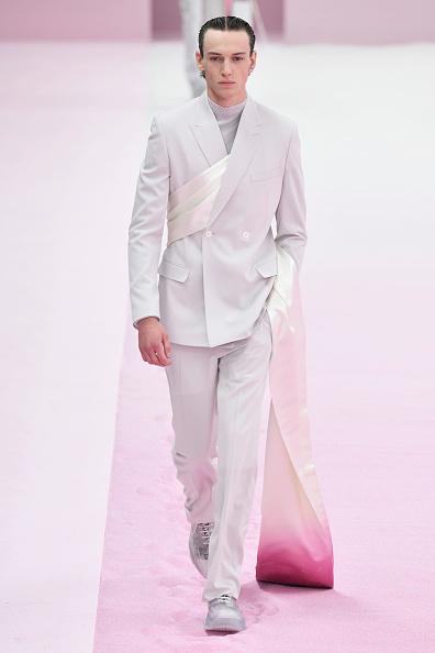 Silver Shoe「Dior Homme : Runway - Paris Fashion Week - Menswear Spring/Summer 2020」:写真・画像(17)[壁紙.com]
